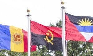 Bandeira de Angola na sede da ONU em Nova Iorque