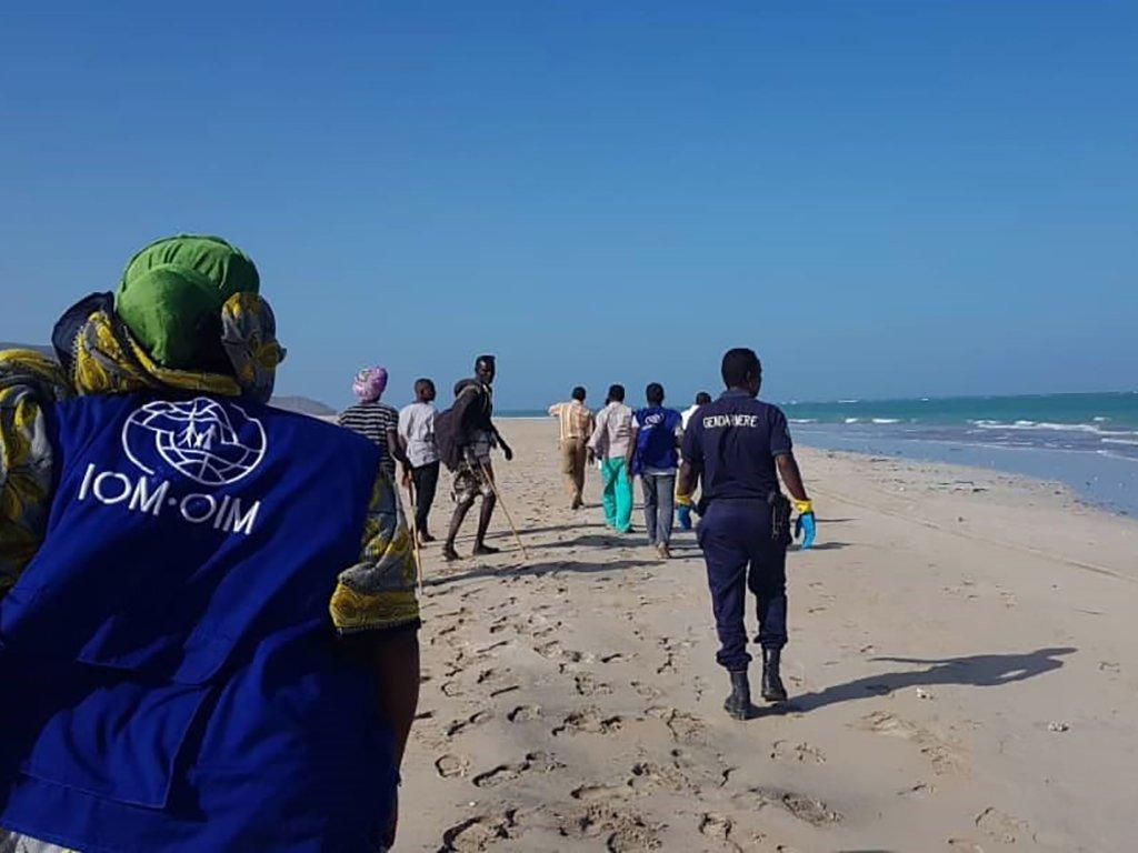 2019年1月29日,吉布提海域发生移民船难后,国际移民组织工作人员赶赴现场。