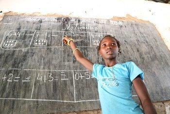 Acnur colocou à disposição de duas escolas em São Domingos, Região de Cacheu, no norte da Guiné-Bissau, mobiliários e equipamentos informáticos para combater a pandemia.