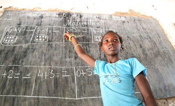 De acordo com a ONU, a cada duas semanas uma língua deixa de existir e com ela a herança cultural e intelectual local
