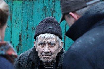 As lacunas em saúde entre grupos socioeconómicos aumentam à medida que as pessoas envelhecem.