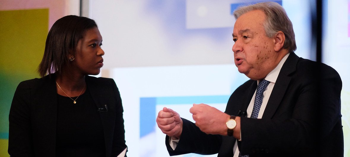 The UN Secretary-General António Guterres (r) is interviewed on Facebook Live by journalist Eshe Nelson at the World Economic Forum in Davos, Switzerland on 24 January 2019.