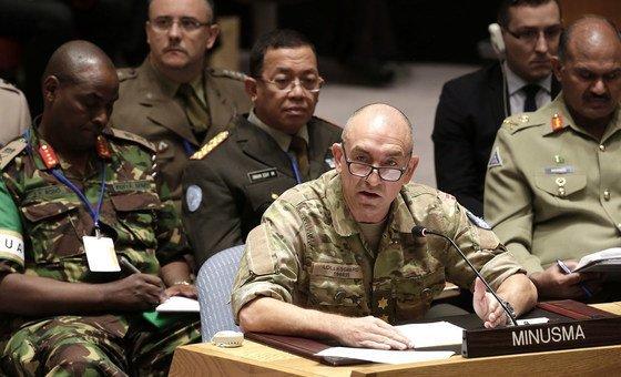 也门重新部署协调委员会主席兼联合国支持荷台达协议特派团团长洛勒斯加德中将(Mark Lollesgaard)资料图片。洛勒斯加德少将曾担任联合国马里多层面综合稳定特派团军事指挥官。