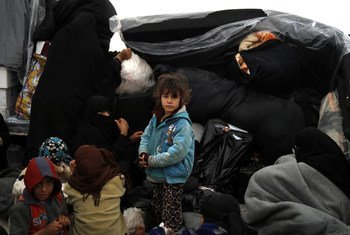 En cuanto las familias llegan al campo de Al Hol, en Siria, UNICEF les proporciona atención médica y comida.