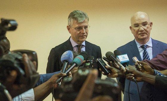 Jean-Pierre Lacroix e Smail Chergui vistaram a República Centro-Africana entre 8 e 10 de janeiro.