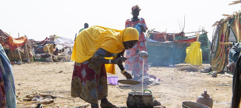 为躲避暴力而逃往喀麦隆的尼日利亚难民。