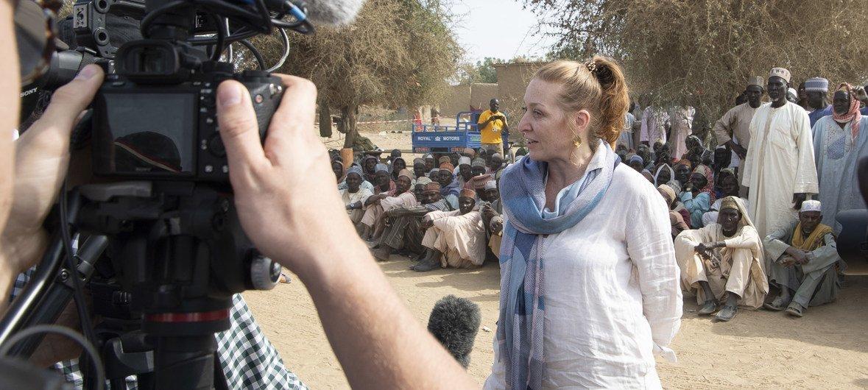 3万5000名尼日利亚难民新近流离失所到喀麦隆东北部的古尔村。联合国喀麦隆驻地协调员阿莱格拉·拜奥奇i呼吁提供更多援助,支持人道主义工作。