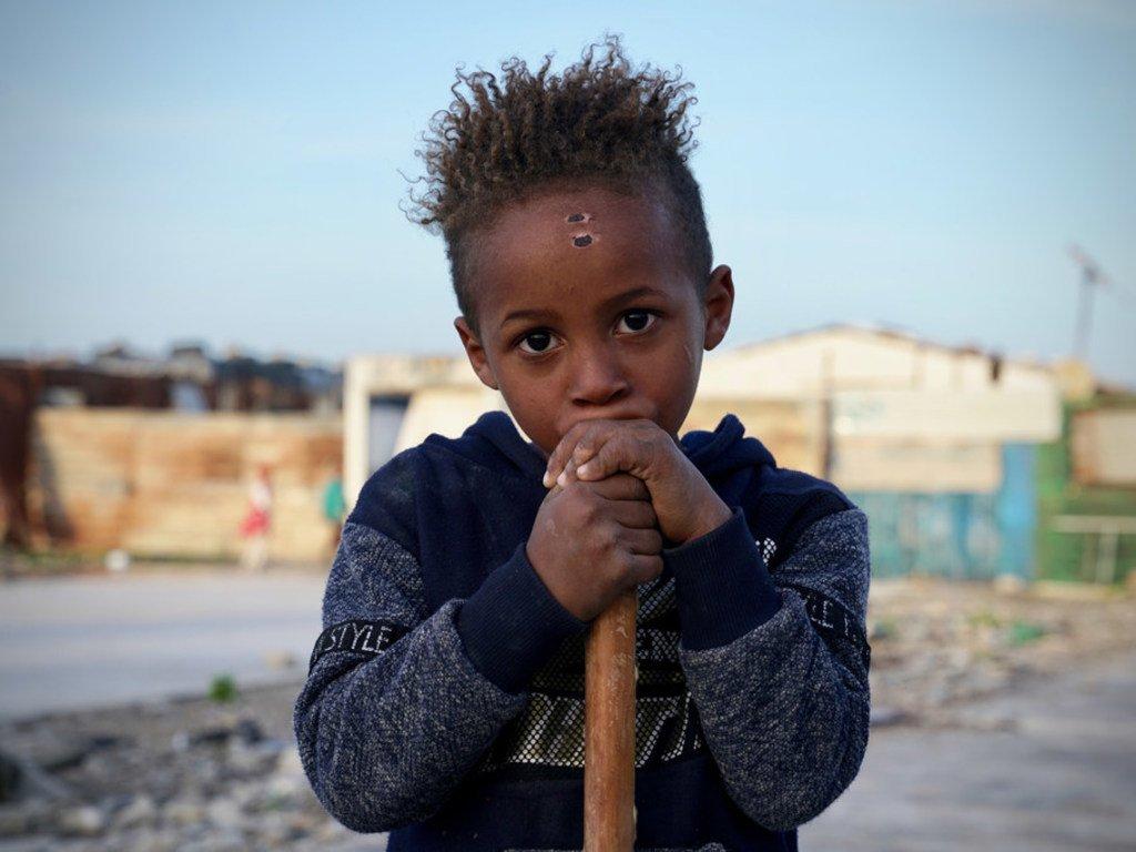 利比亚的一个流离失所儿童。