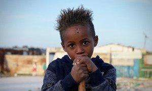 Дом этого малыша – лагерь для внутренне перемещенных лиц, где живут 204 семьи
