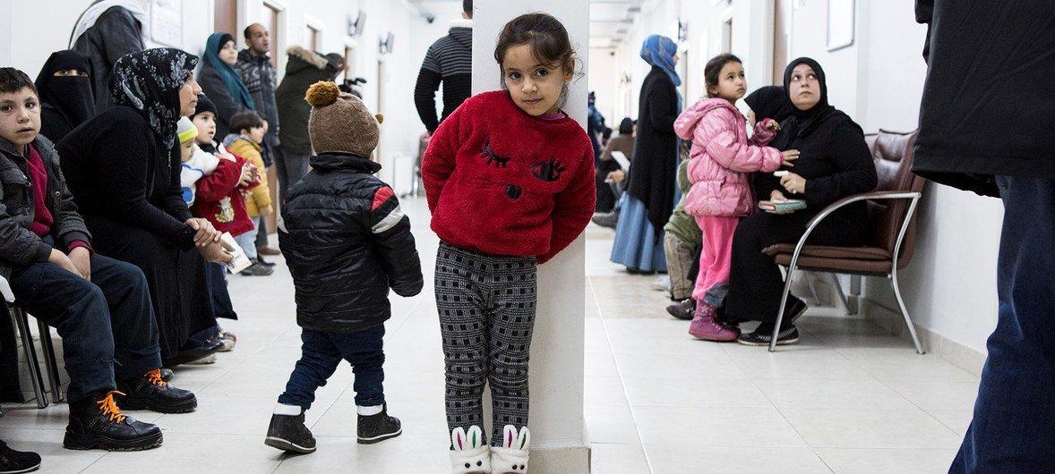 世卫组织欧洲区表示,移民与难民的人数受到低估,其医疗需求未能得到充分满足。