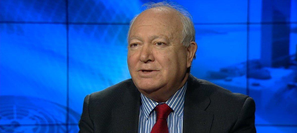 Miguel Ángel Moratinos, alto representante para la Alianza de Civilizaciones de la ONU durante su entrevista en los estudios de televisión de la ONU.