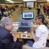 Secretário-geral com uma jovem aluna na Etiópia