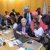 Katibu Mkuu wa Umoja wa Mataifa Antonio Guterres akihudhuria mkutano ulioandaliwa na UN Women kuhusu sayansi,teknolojia, uhandisi na hisabati (STEM) kuhusu programu za kompyuta.
