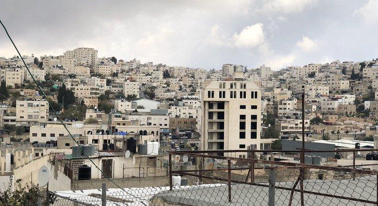 Casas palestinas y asentamientos israelíes en el área conocida como H2 en Hebrón, en Cisjordania.