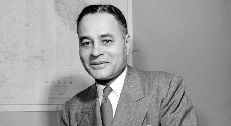 राल्फ़ बंच एक अफ़्रीकी - अमेरिकी नागरिक (1904 - 1971) और संयुक्त राष्ट्र के एक वरिष्ठ अधिकारी थे. उन्हें वर्ष 1950 के नोबेल शान्ति पुरस्कर से सम्मानित किया गया था.