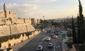 أحد شوارع مدينة القدس، بالقرب من البلدة القديمة.