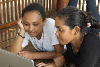 UNICEF inachagiza matumizi bora ya intaneti na barubaru huko Dili, Timor-Leste