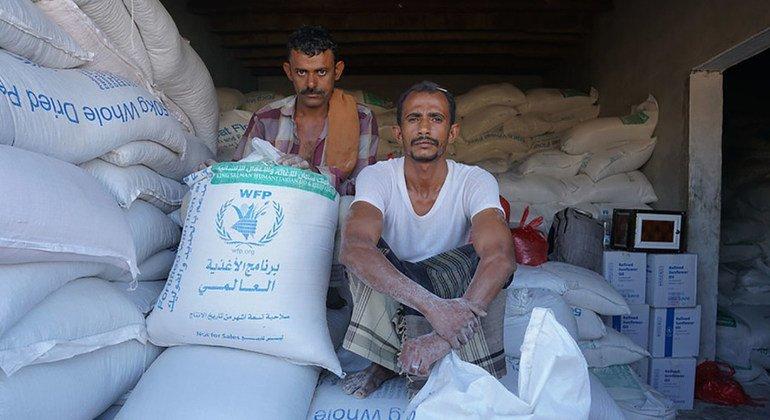 Cereales en Dhubab, Taiz, Yemen. El Programa Mundial de Alimentos no ha podido acceder a los almacenes de Hodeida en más de cinco meses