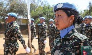 Pichani ni walinda amani wa kwanza wa Nepal wakati wa gwaride la utoaji nishani mjini  Juba, Sudani Kusini, mnamo Septemba 2018. Picha na UN / Isaac Billy.