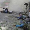 2018年4月30日,一群记者和急救人员在喀布尔市中心遭遇自杀式袭击。