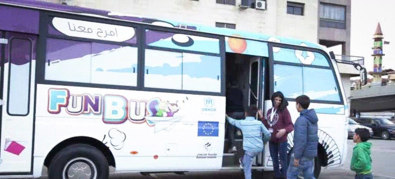 Fun Bus é uma iniciativa do Acnur com a União Europeia e a Fundação Makhzoumi