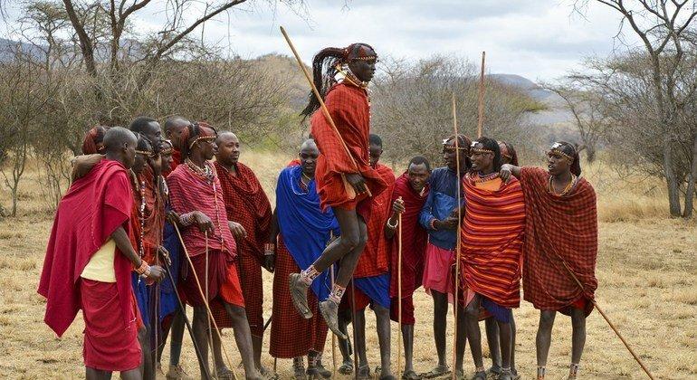 Povos indígenas criaram e falam uma grande maioria das 7 mil linguas mundiais