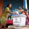 En Guinée Bissau, une jeune femme vote lors des élections législatives en Mars 2019