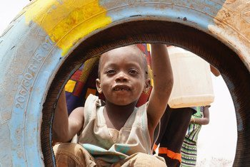 Child playing in the Barsalogho IDP site, in Burkina Faso (March 2019). Increased insecurity, violence, food crisis, floods and epidemics are among the factors that plunged Burkina Faso into a significant humanitarian crisis.