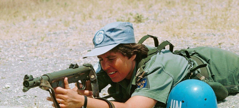 В 1979 году на службу в составе миротворческих сил ООН на Кипре впервые заступили жещины -12 военнослужащих из Швеции