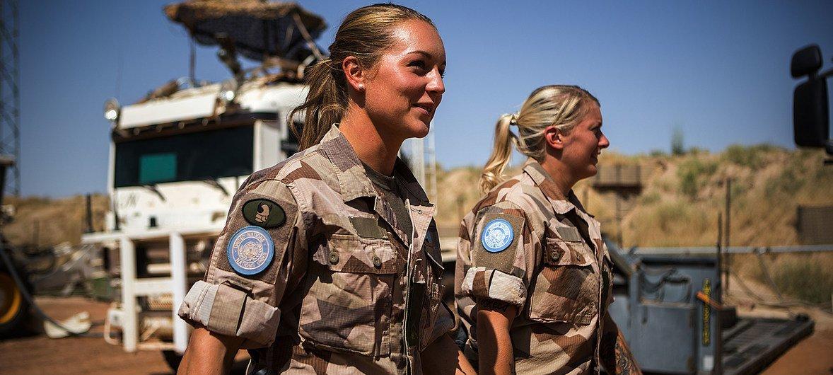 Женщины умеют вести переговоры о мире, отстаивать права других и сражаться с пандемией.