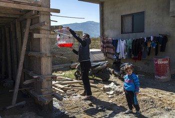 وفاء وأفراد أسرتها وصلوا إلى لبنان عام 2014، فرارا من بلدتهم قرب حمص بسبب تدهور الأوضاع الأمنية.