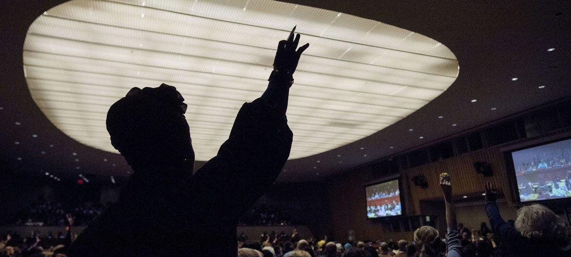 Phumzile Mlambo-Ngcuka, diretora executiva da ONU Mulheres, moderou o encontro do Secretário-Geral das Nações Unidas, António Guterres, com a sociedade civil na CSW63.
