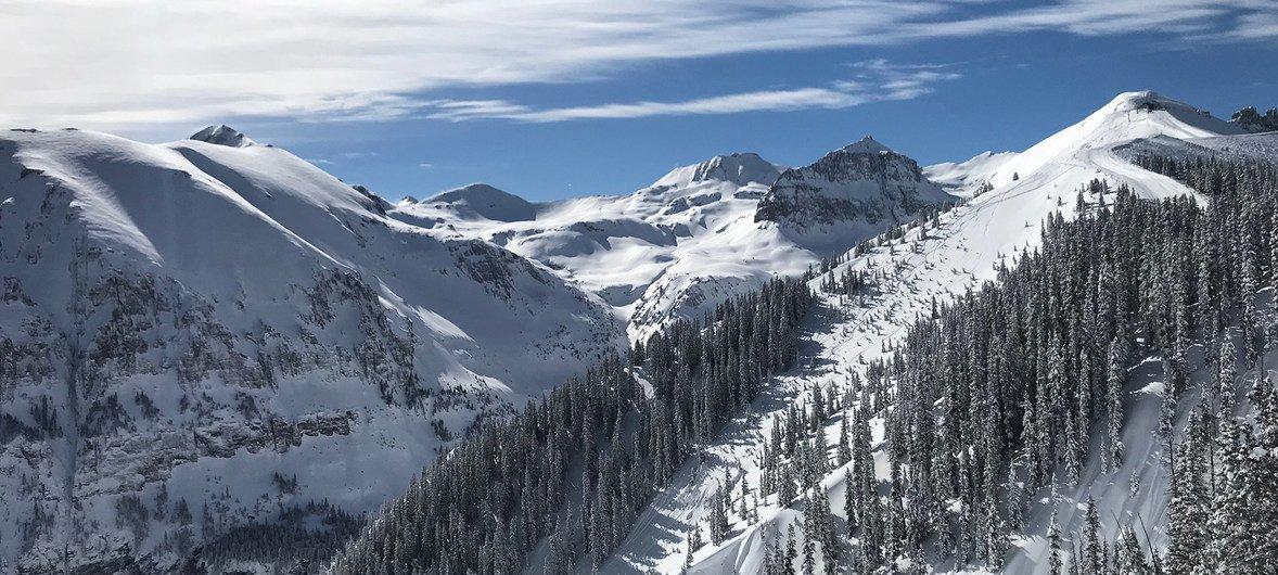 摄于美国科罗拉多州特柳赖德镇的落基山脉一景。