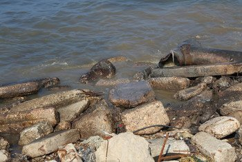 Las aguas residuales contaminan el acuífero costero, que es la principal fuente de agua para los residentes de Gaza.