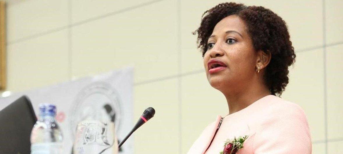 Bela Lithuri, Associação Moçambicana das Mulheres de Carreira Jurídica