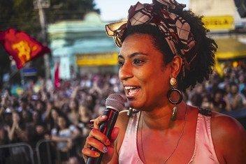 Defensora dos direitos humanos, Marielle Franco liderava lutas em prol das populações marginalizadas.