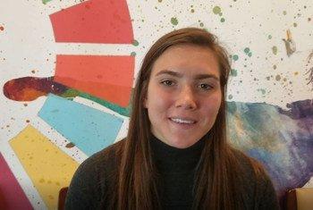 Vanessa Gilles joue au poste de défenseur dans l'équipe féminine des Girondins de Bordeaux et dans l'équipe nationale canadienne féminine de soccer