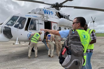 The first WFP helicopter to arrive in Beira, Mozambique, rescued people from Bozi bringing them to Beira airport on Tuesday.