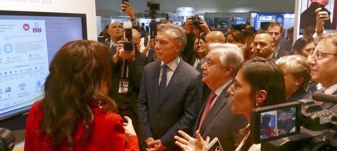 UN Secretary-General and the President of Argentina, Mauricio Macri, visiting the pavilion of Argentina in an expo part of the UN High-Level Conference on South-South Cooperation.