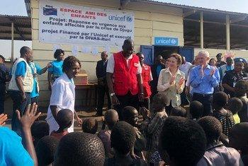O subsecretário-geral para os Assuntos Humanitários, Mark Lowcock, e a diretora executiva do Fundo da ONU para a Infância, Unicef, Henrietta Fore, terminaram esta quinta-feira a visita à República Democrática do Congo, RD Congo.