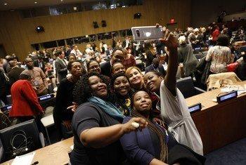 Os participantes da Comissão da ONU sobre o Estatuto da Mulher no fim da 63ª sessão na sede da ONU em Nova Iorque,