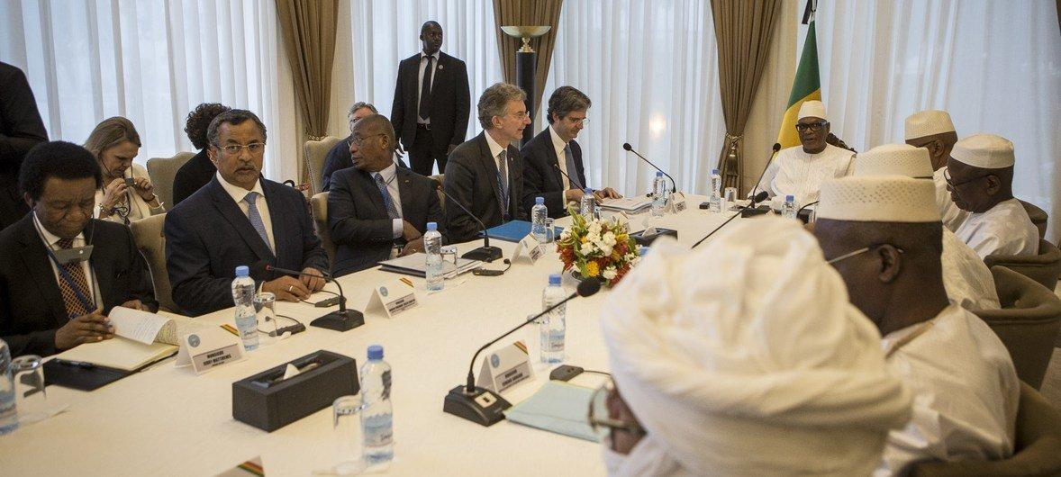 Le Président malien, Ibrahim Boubacar Keïta, reçoit la délégation du Conseil de sécurité des Nations Unies au Palais de Koulouba à Bamako.