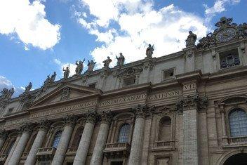 Собор Святого Петра в Риме. Рим входит в Сеть творческих городов ЮНЕСКО