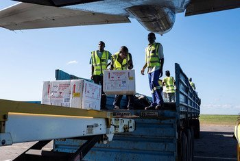 Vacinas chegam ao aeroporto de Beira, em Moçambique