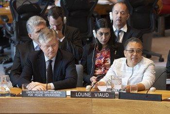 Baraza la usalama la Umoja wa Mataifa likiijadili hali ya Haiti. Kushoto ni Jean-Pierre Lacroix na kulia ni Loune Viaud.