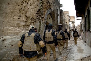 В службе ООН по разминированию обучают местных саперов и помогают им очистить территорию от мин и неразорвавшихся боеприпасов. Ирак