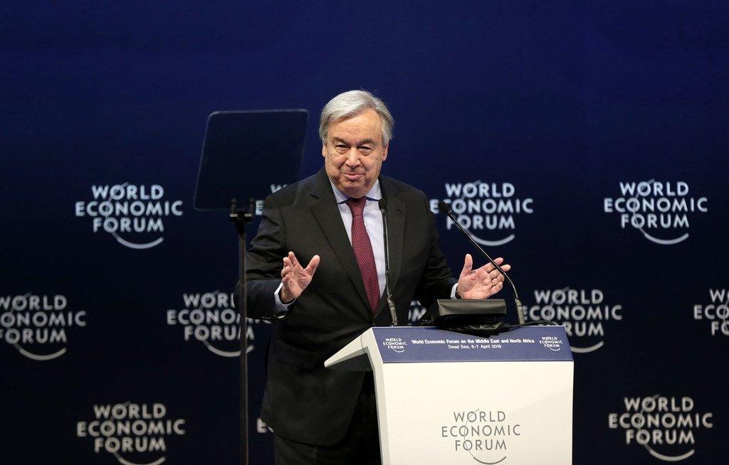 Le Secrétaire général, António Guterres, s'exprime lors du Forum économique mondial dans la région de la mer Morte, en Jordanie le 6 avril, 2019.