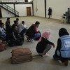 利比亚首都的黎波里的一处移民监禁中心,难民署和人道协调厅正在帮助遭到监禁的移民获得重新安置。