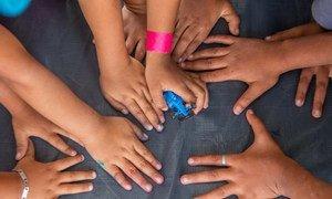 Relatório contém aspectos positivos de como o país está implementando a Convenção sobre os Direitos da Criança.