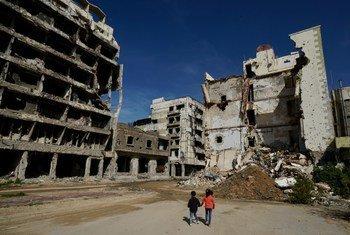 من الأرشيف: أحد الشوارع في مدينة بنغازي في ليبيا.